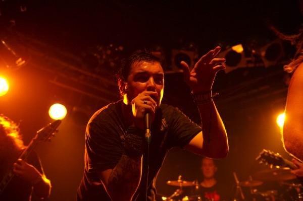 Pyromesh 2009: Ael Bennett, the consummate metal frontman.